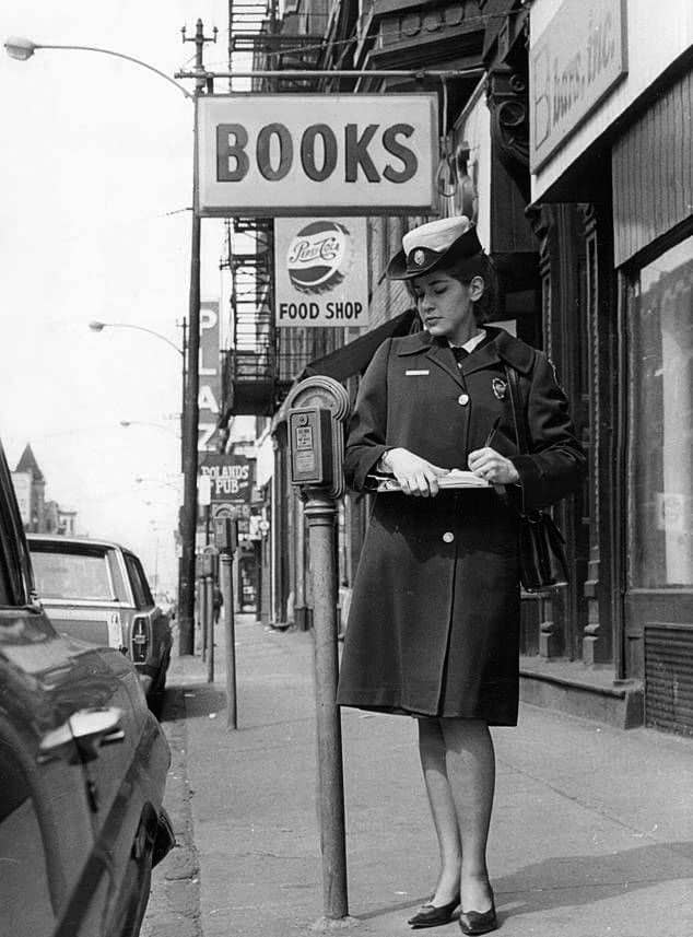 60s-meter-maid-chicago_01